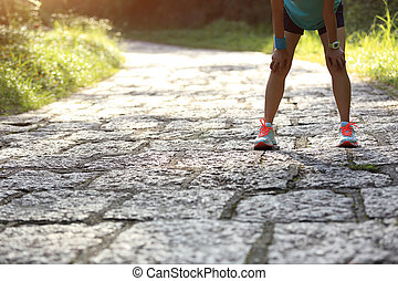kobieta, zmęczony, biegacz, wpływy, twardy, odpoczynek, ślad...