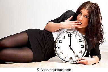 kobieta, zmęczony, dzierżawa, zegar