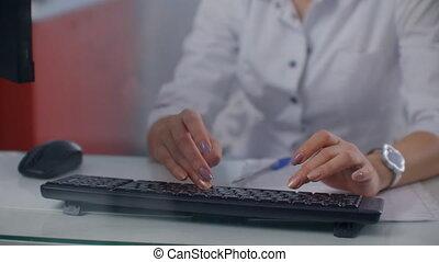 kobietki, keyboard., ręka, pisząc na maszynie, laptop, doktor