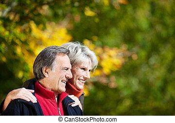 kochający, starsza para, śmiech
