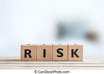 kockáztat, üzenet, képben látható, egy, wooden asztal