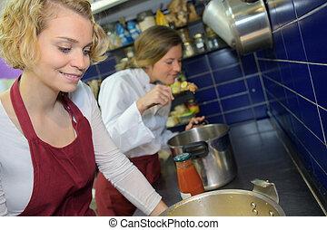 kock, kvinna, matlagning, kök, ung