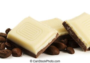 koffie bonen, witte achtergrond, chocolade