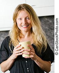 koffie, keuken, blonde , mooi