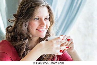 koffie, vrouw, jonge, warme, drinkt, koffiehuis