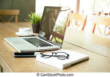 koffiekop, draagbare computer, geselecteerde, brandpunt,...