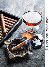 kognak, zigarre, burnig, aroma