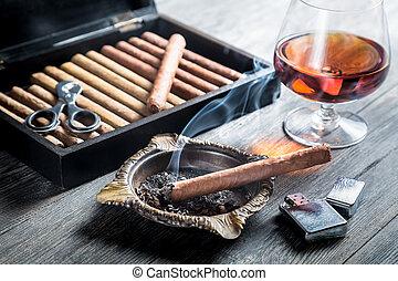 kognak, zigarre, rauchen, aroma