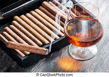 kognak, zigarrenrauchen, aroma