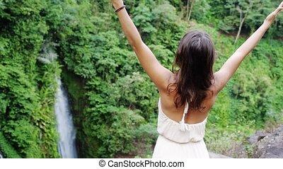 koh, femme, motion., jeune, long, lent, brunette, jungle, mains, chute eau, thailand., ascensions, robe, samui.