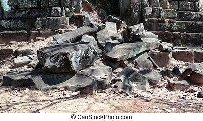 Koh Ker temple complex, death pyramid Prasat Prang Cambodia