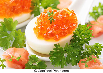 kokta ägg, med, röd, kaviar