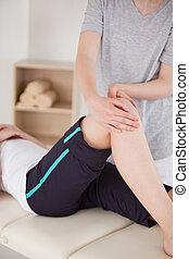 kolano, sportsmenka, posiadanie, masaż, portret