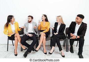 koledzy, biuro, posiedzenie, mówiąc, inny, każdy