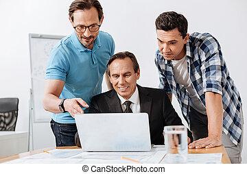 koledzy, czytanie, trzy, razem, email