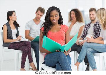 koledzy, kobieta, biuro, jej, znowu, twórczy, mówiąc, za, notatnik, dzierżawa, szczęśliwy