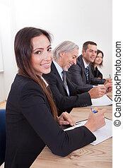 koledzy, kobieta, spotkanie, handlowy