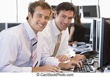 kolleger, arbeta, dator