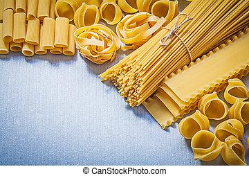 kollektion, av, olika, uncooked, pasta, på, blåttbakgrund, mat, och