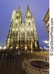 kolonia katedra, zachód słońca