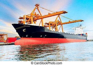 kommersiell, skepp, ladda, behållare, in, skeppning, hamn,...
