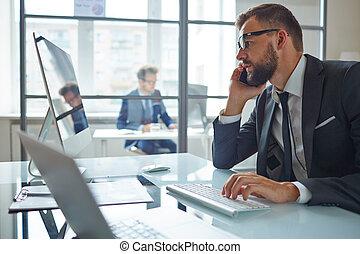 kommunikáció, hivatal