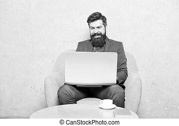 kommunikation, användande, ha, affär, arbete, ämbete., laptop., dator, business., hipster, affärsman, direkt, märken, redskapen, radio