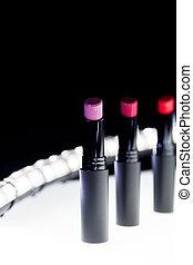 komplet, kasownik, szminka, barwny, beauty., makijaż, kamień, zatracony, tło., kolor, fason, czarnoskóry, lipsticks., profesjonalny, biały, bokeh, czerwony