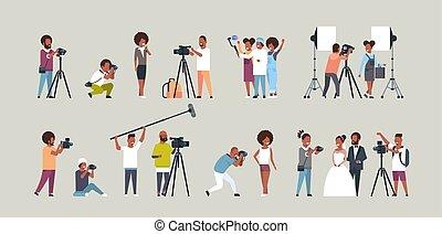 komplet, sesja, video, podczas, polowanie, różny, pracujący, obrazy, cameras, amerykanka, płaski, pełny, zbiór, fotografowie, litery, cameramans, używając, poziomy, pozy, wpływy, długość, afrykanin
