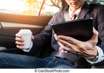 kompress, arbete, bil, baksida, ung, ringa, affärsman, användande, eller, smart, stilig
