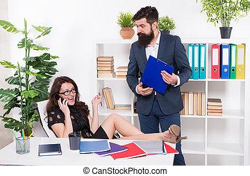komunikacja, problem., conversation., negotiations., lady., jej, rozmowa telefoniczna, kolega, kobieta, talk., uwaga, szef, telefon, zajęty, głoska., ubiegając, ruchomy, próba, znowu, ważny, addicted, posiadanie
