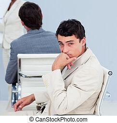 konferencja, szczelnie-do góry, znudzony, biznesmen