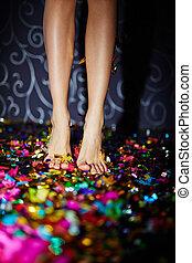 konfetti, beine
