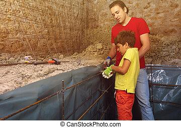 konkretny, ojciec, przygotowując, zrąb, syn