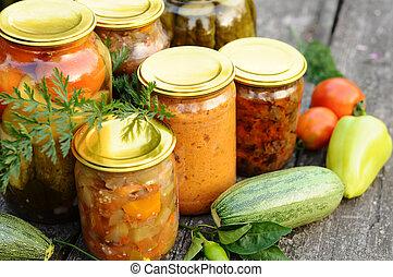 konserwowanie, dom, warzywa, w puszkach