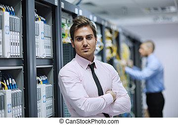 konstruál, server hely, hálózat, azt