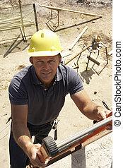 konstruktion arbejder, klatre, stige, på, bygning site, by, nyt hjem
