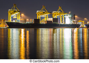 konténer, rakomány, rakomány hajó