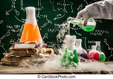 kontroll, den, kemisk, formel, in, skola, laboratorium