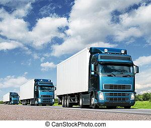 konvoj, av, lastbilar, på, motorväg, frakt, transport,...