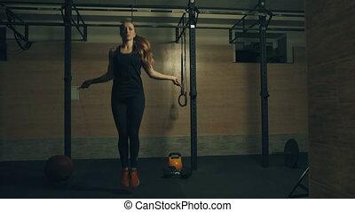 koord, het overslaan, gym, vrouw, springt