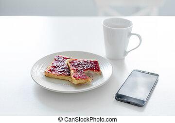 kop, volgende, jam, kers, roosteren, koffie, ontbijt, tafel., telefoon