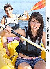 koppeel kayaking, op, een, warme, summer's, dag
