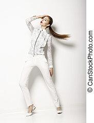 kortárs, öltözet, design., divatot utánzó, nő, alatt, fehér, blúz, és, pants., mód