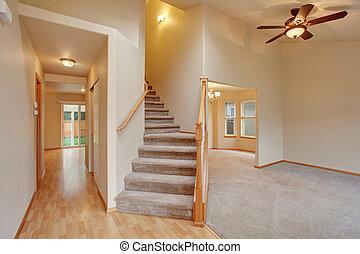 korytarz, wewnętrzny, prospekt., schody, opróżniać, dywan