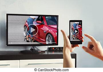 korzystać, smartphone, oddalony, kobieta, app, ręka, control., closeup, dzierżawa