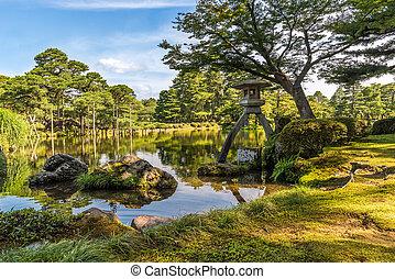 Kotoji kenrokuen jardin lanterne pont kenrokuen jardin for Jardin kenrokuen en kanazawa