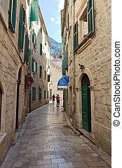 Kotor alley