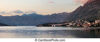 kotor, baai, ondergaande zon , montenegro
