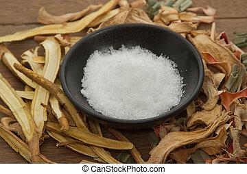 kräutermedizin, camphor;used